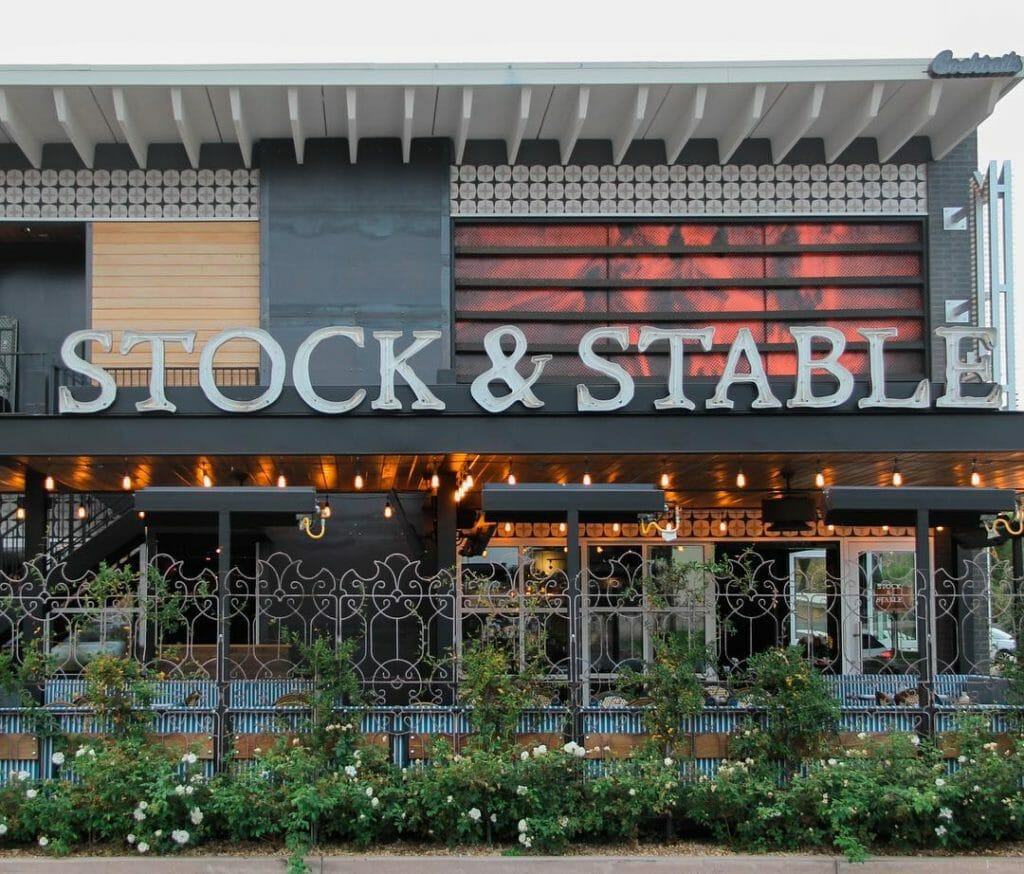 stock stable outside
